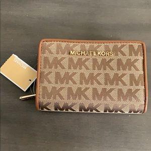 BNWT Michael Kors Bifold Zip Coin Wallet